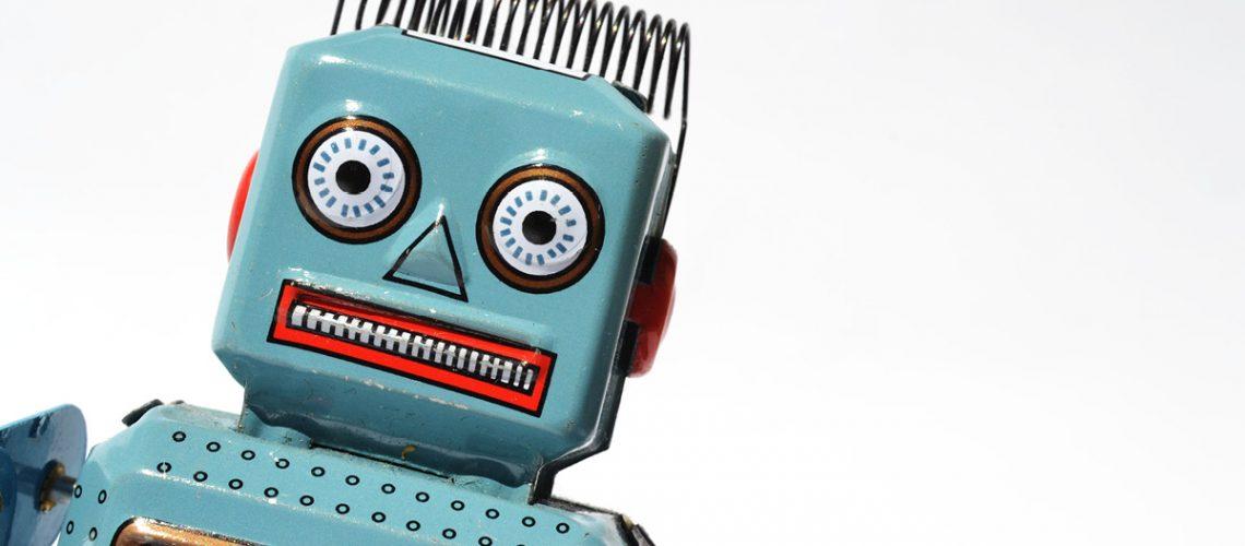 Vintage-tin-toy-robot-1200x628